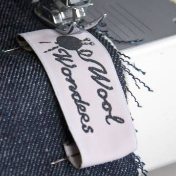 Clothing label with your own woven logo